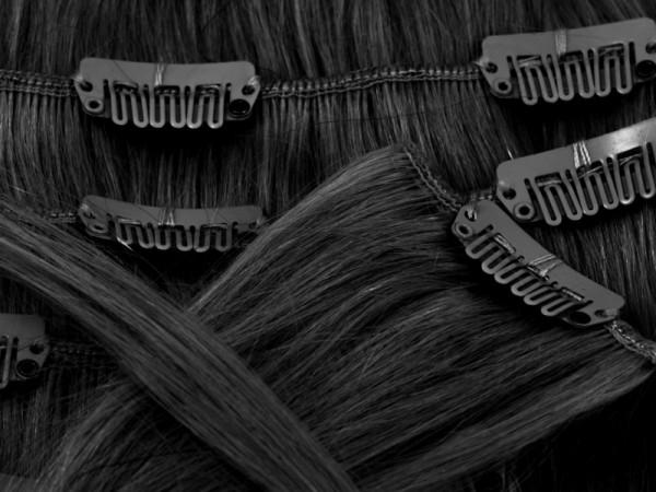 Naturfarbene Clip-In Extensions Indisches Echthaar - schwarzbraun